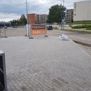 Võru Kagukeskuse tänavakivi paigaldus